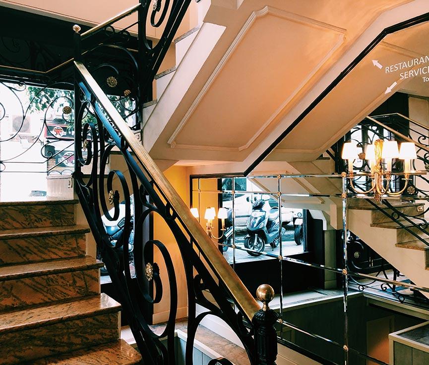 Restauración luminarias Café del Príncipe