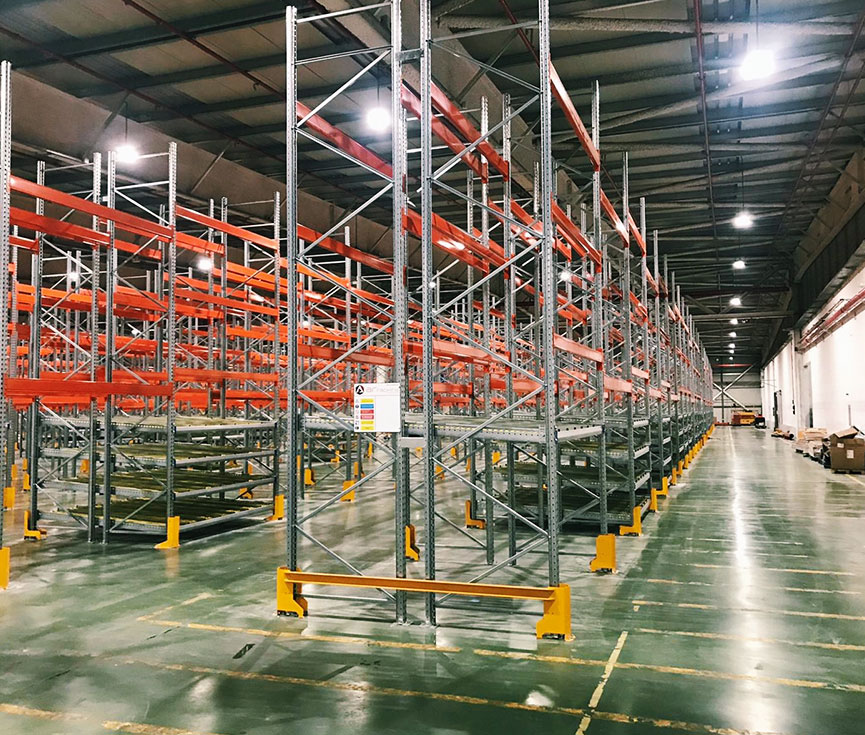 Sistema ahorro almacén logístico